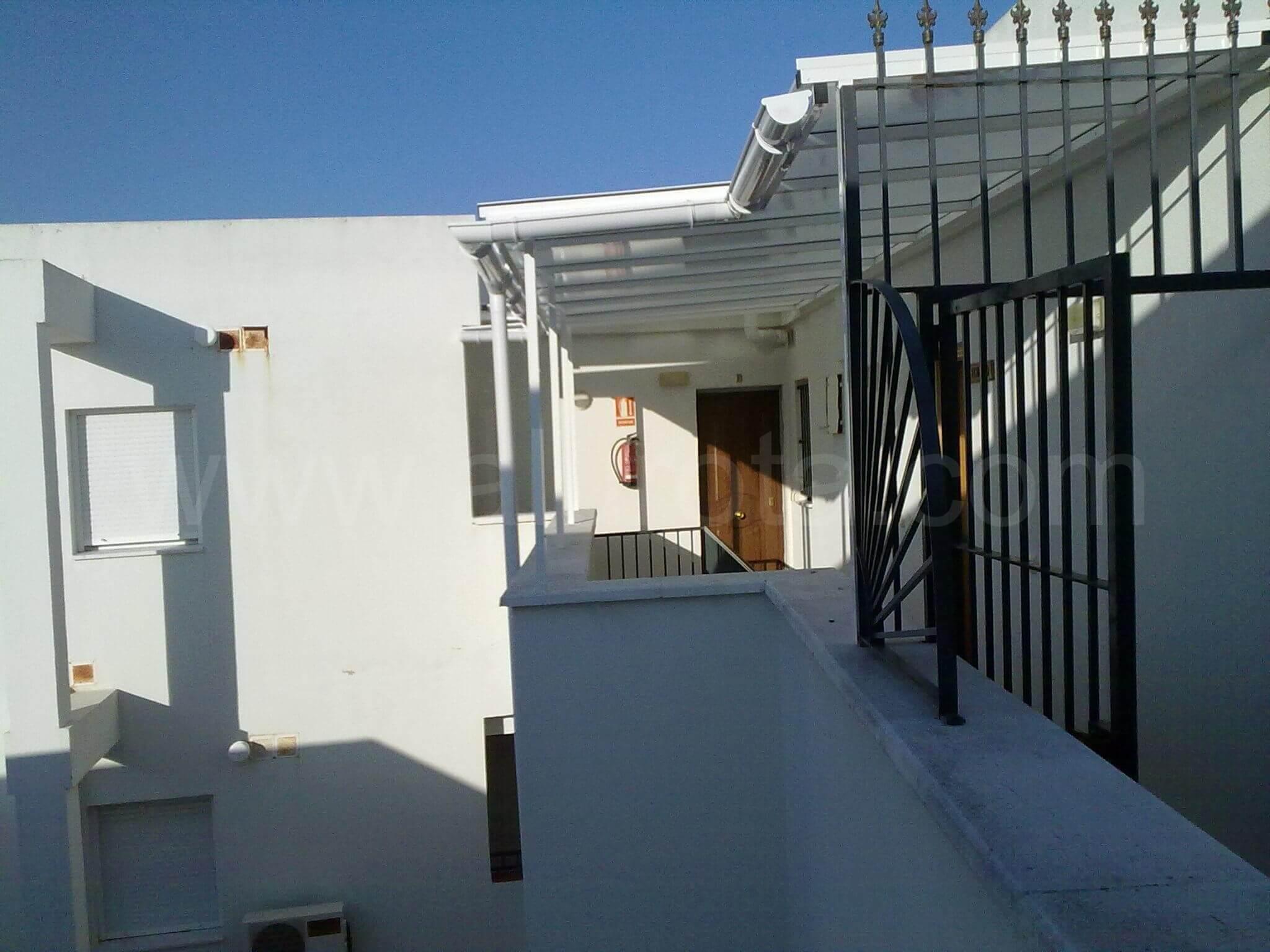 Techos para exteriores estn compuestos por paredes y - Techos para exteriores ...
